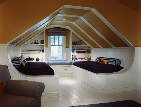 room-with-slanted-ceiling_4