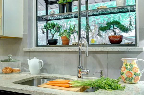 kitchen-window-decor_0