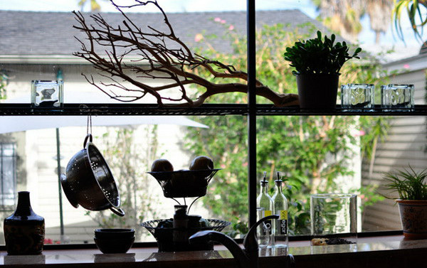 kitchen-window-decor_9