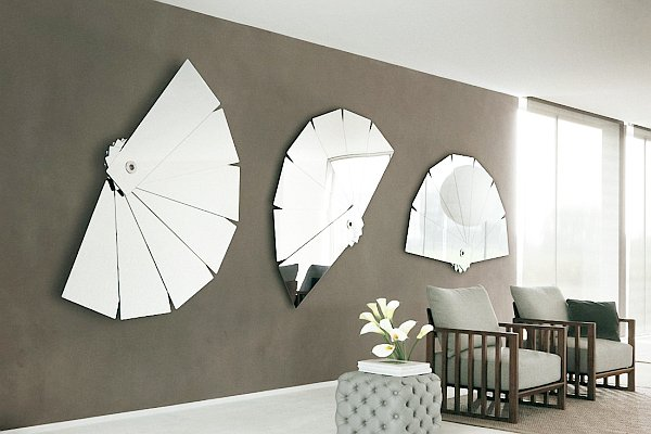 mirror-makes-room-look-larger_3